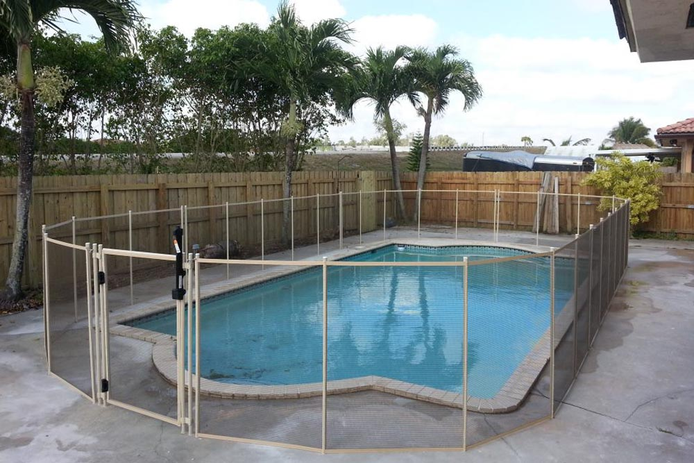 Black swimming pool fences baby guard fence